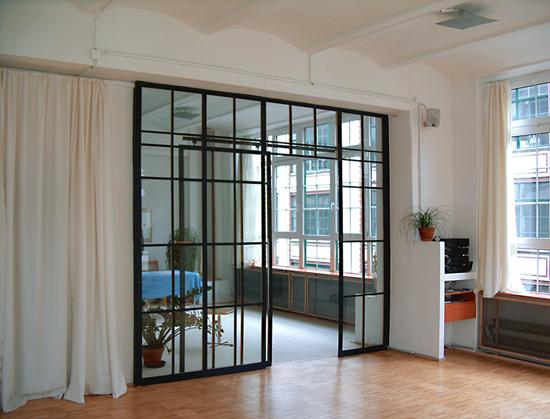 r ume. Black Bedroom Furniture Sets. Home Design Ideas